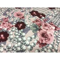 Feinjersey bi-elastischer m. Perlenketten und Blumen...