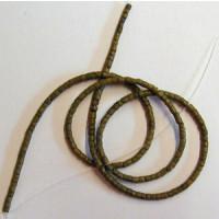 Kokosperlen 4-5 mm ca. 60cm lang o. Verschluss oliv