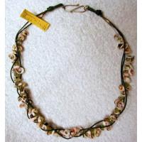 Halskette Muscheln mit Peridot Lederband grün 57cm lang